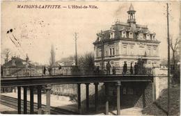 MAISONS LA FFITTE ... L'HOTEL DE VILLE .. 1915 .. CACHET ...  59e REGIMENT D'ARTILLERIE 41 E BATTERIE - Maisons-Laffitte