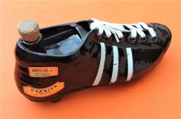 Bouteille En Céramique Liqueur Garnier Forme Chaussure De Football - Autres Bouteilles