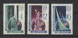 RUSSIE . YT 2939/2941 Neuf ** Journée De La Cosmonautique  1965 - Unused Stamps