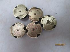 5 Amorces Type C/12 NA Pour Douilles D'obus Allemandes Diverses 4 Bien Marquées Et 1 Sans Marque  (déjà Tirées) - Armi Da Collezione