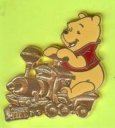 Pin's BD Disney Train Locomotive Winnie L'Ourson - 10Y01 - Disney