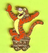 Pin's BD Disney  Wagon Tigrou (Train Winnie L'Ourson) - 10Y15 - Disney