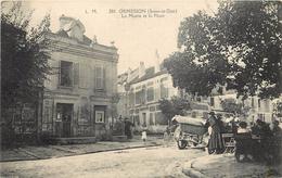 ORMESSON - La Mairie Et La Place. - Ormesson Sur Marne