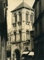 France Poitiers Eglise Sainte Porchaire Ancienne Photo 1960 - Places