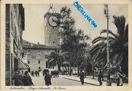Lazio-civitavecchia Piazza Calamatta  Veduta La Rocca Persone Carrozze Animatissima Anni 30 - Civitavecchia