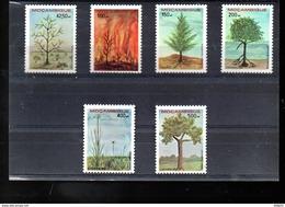 MOZAMBIQUE 1174/1179** SUR LA PROTECTION DE LA NATURE  ARBRES ET PLANTES