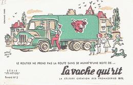 """BUVARD Publicitaire LA VACHE QUI RIT (Fromageries BEL) Illustré Par HERVE BAILLE - Série """"LES METIERS"""" Buvard N°2 - Chaussures"""