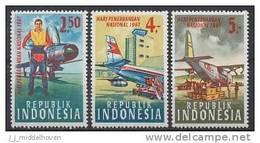 Indonesia Zonnebloem Cat Nr 580/582 Postfris (MNH, Neuf Sans Charniere) Airplanes, Avions, Vliegtuigen, Planes - Indonésie