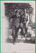 72 - Le Mans - Un Militaire De L'Armée De L'air Avec Un Homme (aviateur ?) - Luoghi