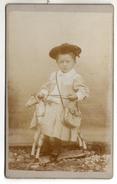 Lot De 2 CDV - Un Enfant Sur Son Cheval De Bois - Photo Mme Roussey , VILLARS Sous DAMPJOUX Pont De Roide - Personnes Anonymes