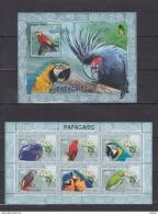 E40 Mozambique - MNH - Birds - Parrots - 2007