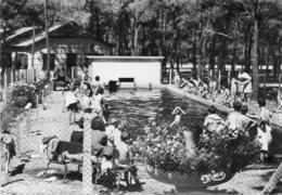 CPSM Dentelée - BISCAROSSE (40) - Aspect De La Piscine De La Colonie C.C.O.S. Dans Les Années 50 - Leçon De Natation - Biscarrosse