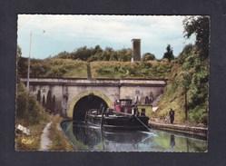 CPSM Mauvages (55) - Le Tunnel Et Son Toueur ( Animée Canal Batellerie COMBIER CIM) - Otros Municipios