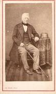 Photographie Ancienne Par Allix à Avranches (Manche), Homme à La Canne Et Au Chapeau, Photo Cdv Vers 1875 - Fotos