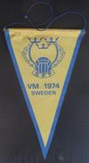 Sweden Football Federation VM 1974, World Cup Germany  FOOTBALL CLUB, SOCCER / FUTBOL / CALCIO, OLD PENNANT, SPORTS FLAG - Uniformes Recordatorios & Misc