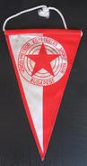 Budapest, Vörös Meteor SK HUNGARY  FOOTBALL CLUB, SOCCER / FUTBOL / CALCIO, OLD PENNANT, SPORTS FLAG - Uniformes Recordatorios & Misc