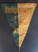 HEILIGENHAUS FC GERMANY  FOOTBALL CLUB, SOCCER / FUTBOL / CALCIO, OLD PENNANT, SPORTS FLAG - Uniformes Recordatorios & Misc