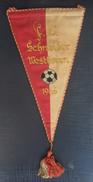 FC Schneider Westhoven 1966  FOOTBALL CLUB, SOCCER / FUTBOL / CALCIO, OLD PENNANT, SPORTS FLAG - Uniformes Recordatorios & Misc