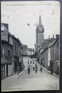 CPA 35 CHATEAUBOURG - La Rue De La Mairie Et L'Eglise - Mary Rousseliere 450 - Mauvais ETAT  - Réf. D 135 - France