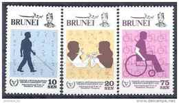 1981 BRUNEI 275-77** Handicap, Aveugle, Language Des Signes, Chaise Roulante - Brunei (1984-...)