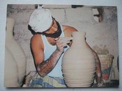 L58 Postcard Oman - Bahla Potter - Oman