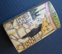 """Anciene Boîte à Pilules Petit Coffret Asiatique En Os Peint Inde """""""" Rajasthan ? India Old Pill Box , Painted Bone - Boxes"""