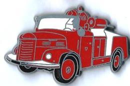 POMPIERS - P8 - CAMION HOTCHKIS Sur Mat - Verso : BALLARD - Firemen