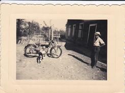 Mini Photo----MOTO--( Belle Mais Modeste 125-175 ) ---voir 2 Scans - Photographie