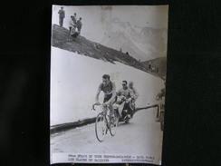 91 / Tour De France 195?, 8ème étape, Thonon-Brianson - Charly Gaul  Parmi Les Glaces Du Galibier