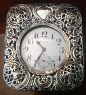 ANTICO PORTAOROLOGIO Da Tavolo In ARGENTO Punzone  LONDRA  1896 Con OROLOGIO - Watches: Old