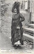 LA CHAISE DIEU  - 43 - Riche Costume Vellave De 1820 - Coiffure à L'Ombrage -I- ORL - - La Chaise Dieu