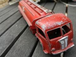 Dinky Toys  Panhard Citerne Titan. Esso - Toy Memorabilia