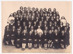 Ancienne Photo De Classe Filles Soeurs Ecole Religieuse Années 1940/50 - Personas Anónimos