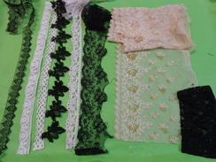 Lot De Dentelles  Blanche -ecru -noire - Laces & Cloth
