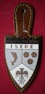 INSIGNE POMPIERS (pucelle)     SAPEURS POMPIERS Département De L'isère (38) - Pompieri