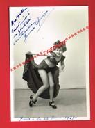 1 Photo ... Jeune Fille ... Artiste ... Spectacle ... Janine CEFRININ ? Studio PAUL Rue St-Maur PARIS ... - Dédicacées
