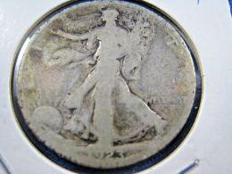 1923S  WALKING LIBERTY HALF DOLLAR                 (sk50-18) - Federal Issues