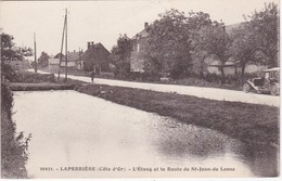 LAPERRIERE - L'Etang Et La Route De St-Jean-de-Losne - Voiture Ancienne - France