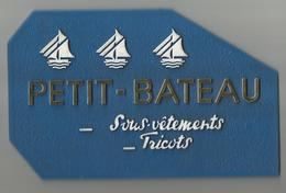 Petit Bateau  Support Plastique 19/12 Cm - Plaques Publicitaires