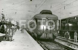 1969 REAL FOTO PHOTO POSTCARD AUTOMOTORA COMBOIO TRAIN DUTCH ALLAN RAILCAR SANTA APOLONIA LISBOA PORTUGAL CARTE POSTALE - Trains
