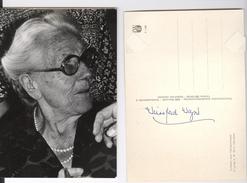 Photo Amateur De Winifred Williams Klindworth épouse De Siegfried Wagner Et Signature Autographe Sur Carte Postale 1976