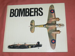 AVION MILITARIA / GUERRE WWII /  RAF  BOMBERS  OF WORLD WAR TWO VOLUME 2 / HYLTON LACY PUBLISHERS 1973 - Avion