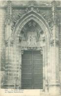 HAL - Le Petit Portail De L'Eglise Notre-Dame - Halle