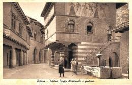 [DC10167] CPA - TORINO - INTERNO BORGO MEDIOEVALE E FONTANA - ANIMATA - Non Viaggiata - Old Postcard - Castello Del Valentino