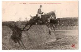 64 - PAU . CONCOURS HIPPIQUE . LA BANQUETTE IRLANDAISE - Réf. N°2877 - - Pau