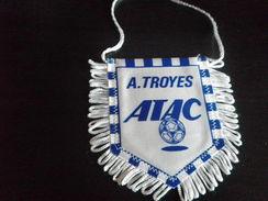 Fanion Football - ATAC TROYES - Habillement, Souvenirs & Autres
