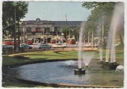 CPM: LYON (69):  La Gare De Perrache Et Le Cour Verdun.(animé - Vieux Bus Et Voitures) (D 586) - Lyon 5
