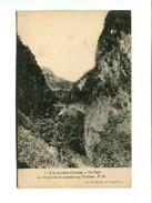 """Cp - INDOCHINE - A La Frontiere Chinoise Un Pont Du Chemin De Fer Accédant Au Yunnam ( Dos Blanc Sans """"carte Postale"""") - Cartes Postales"""