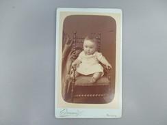 CDV BEBE   PHOTOGRAPHE EDOUARD NEVERS 58 - Cartes De Visite
