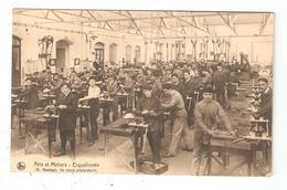 CPA Belgique ERQUELINNES Ecole Arts & Métiers Ajustage 1er Cours Préparatoire Jeunes Hommes Dans Un Atelier - Erquelinnes